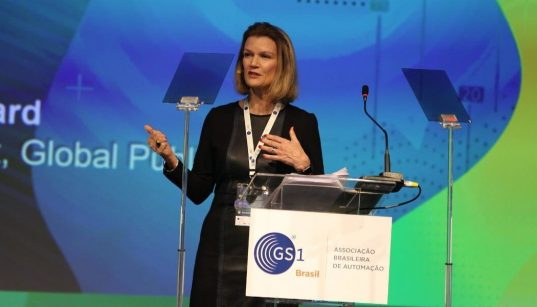 elizabeth board da gs1 global durante a conferencia brasil em código