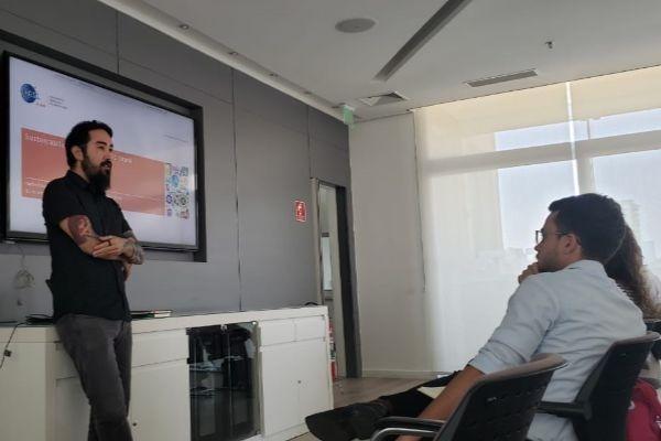 herbert kanashiro analista de sustentabilidade da gs1 brasil na reunião do gt ods
