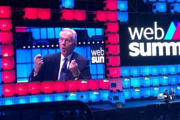palestra de Tony Blair no web summit 2019