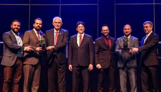 biamar recebe o trofeu do premio automacao 2019