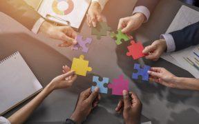 conexão entre empresas trabalho em conjunto