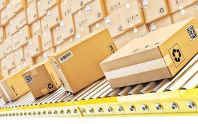 esteira de produtos em um centro de distribuição