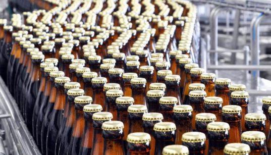 linha de produção de cerveja