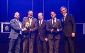 executivos do laboratorio aché recebem premio automação 2019