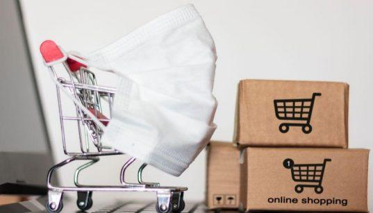 carrinho de compras do ecommerce com mascara na pandemia