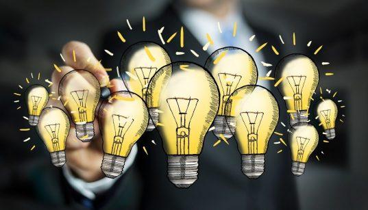 homem de negocios e conceito da inovação
