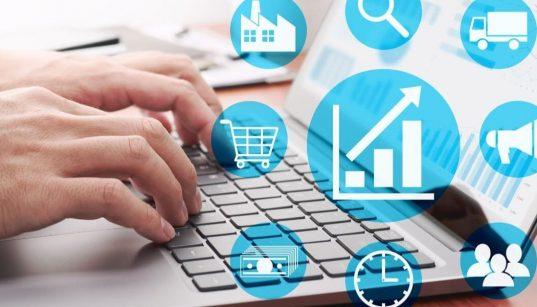 acesso a computador com icones de negocios
