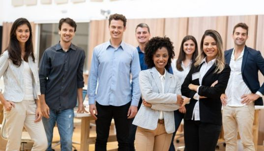 grupo de jovens lideres