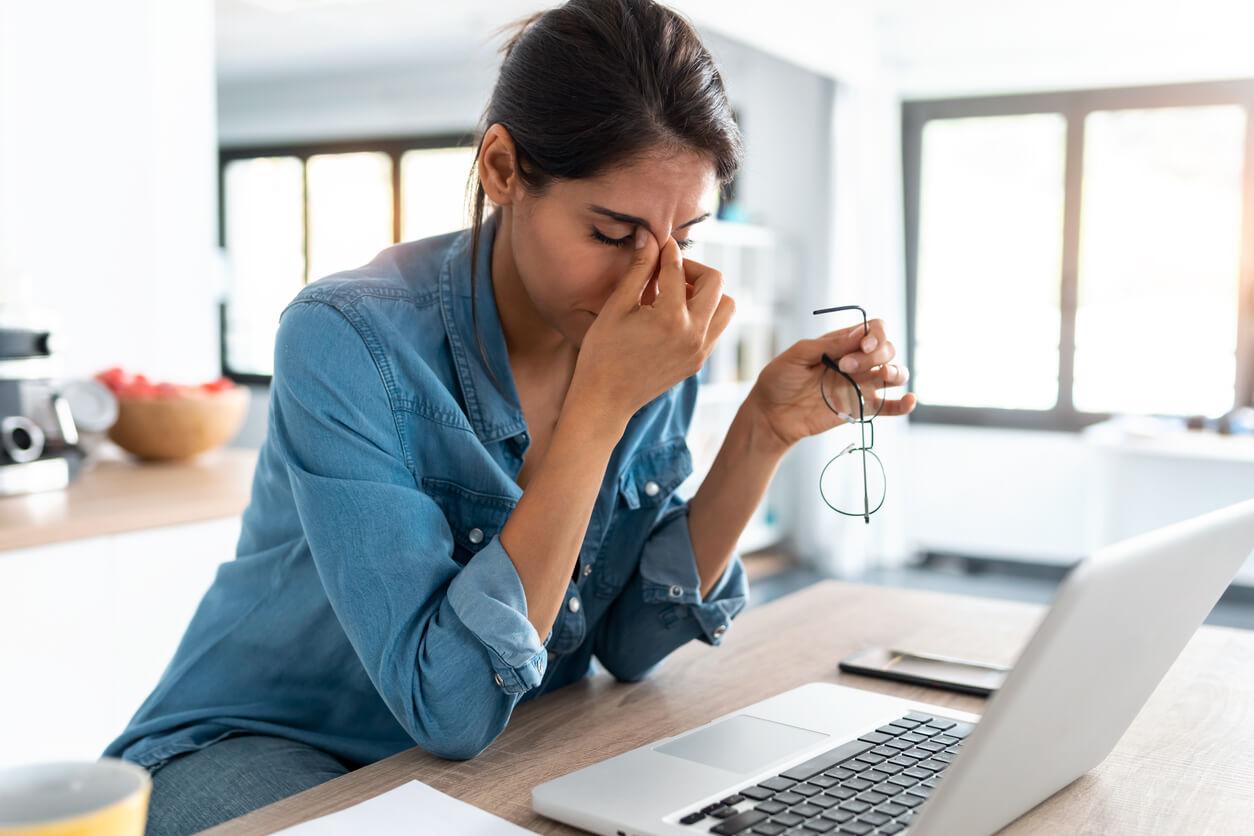 inteligência emocional em risco com estresse no trabalho